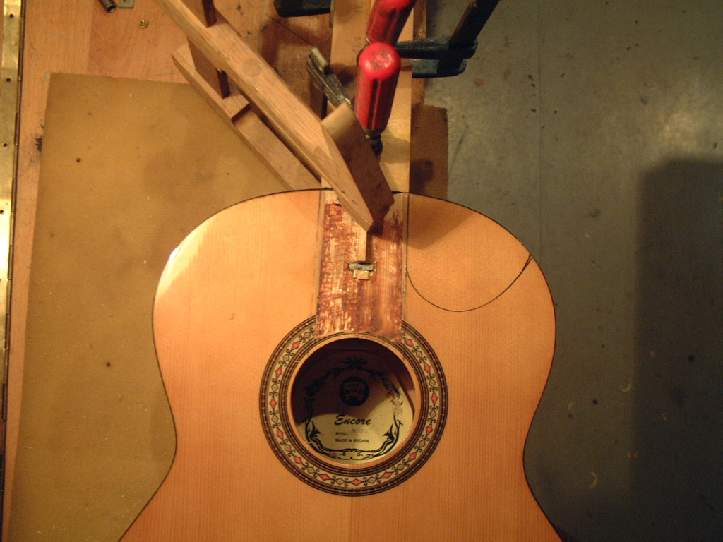 klasszikus_gitar_cutaway_01
